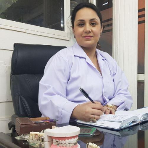 Dr. Madhvi Nagpal, Dentist